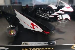 batmobile-batcycle-sidecar-hotwheels-limited-elite-edition-12