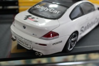 bmw-m6-moto-gp-safety-car-2006-kyosho-3