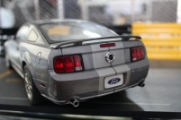 ford-mustang-gt-2004-auto-show-version-autoart-limited-3000-pcs-3