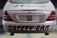 mercedes-cl55-amg-f1-safety-car-2000-autoart-6
