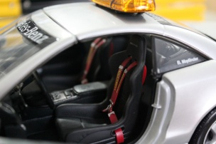 mercedes-sl55-amg-f1-safety-car-2001-masito-dealer-limited-edition-10