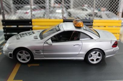 mercedes-sl55-amg-f1-safety-car-2001-masito-dealer-limited-edition-2