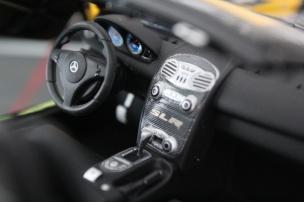mercedes-slr-mclaren-roadster-minichamps-dealer-limited-edition-10