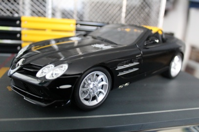 mercedes-slr-mclaren-roadster-minichamps-dealer-limited-edition-13