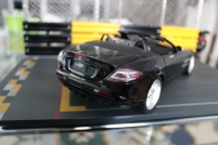 mercedes-slr-mclaren-roadster-minichamps-dealer-limited-edition-14