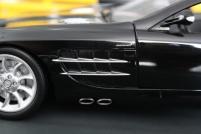 mercedes-slr-mclaren-roadster-minichamps-dealer-limited-edition-3